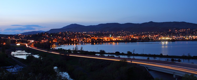 klamath falls at night