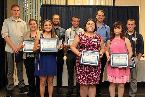 Outstanding Scholars - ETM